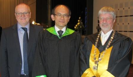 Professor Lars Rasmussen, Professor Gregory Lip and Finn Kjærsdam, Rector of Aalborg University.